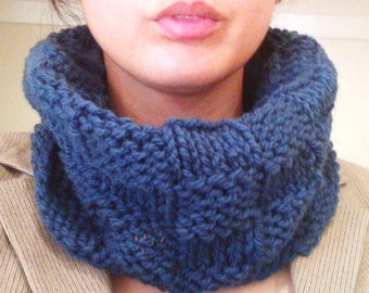 Basket weave hand knitted snood