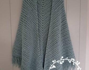 Crochet shawl in grey blue tint