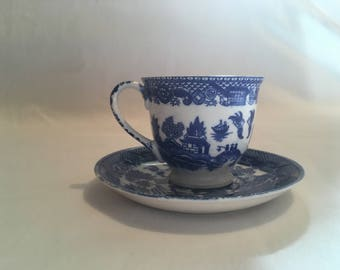 Blue Willow Small tea cups and saucers made in Japan Set of 5