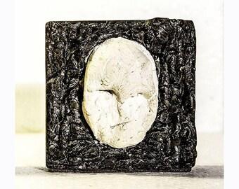 Gagarin    Desktop bas-relief    Сoncrete art objects    Figurative Art