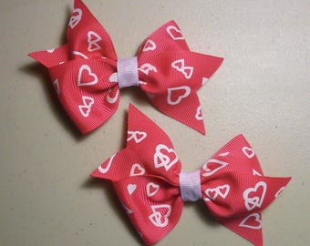 Sealed with a Kiss Bow Set