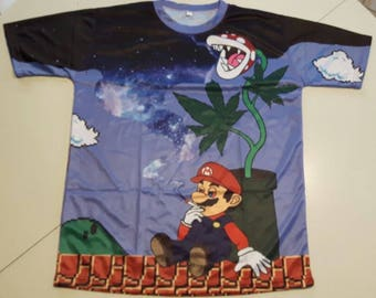 Super Mario T-shirt in size L