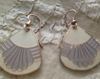 Laurel Burch WHITE WATERFALL FANS Cloisonne Earrings French Earwires Vintage Jewelry 1980s White Gray Cream Gold