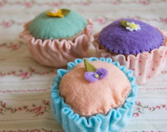 Set of 3 Sugar Flower Topped Pastel Iced Fairy Cakes Felt Sculptures