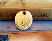 Ceramic Essential Oil Diffuser Pressed Leaf Necklace, Handmade Porcelain Aromatherapy Jewelry, Adjustable Green