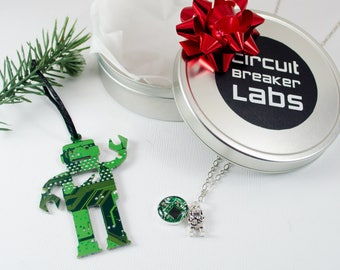 Circuit Board Robot Lover Gift Set, Robot Necklace, Robot Jewelry, Computer Geek, Robot Ornament, Holiday Gift Basket, Geeky Engineer Gift