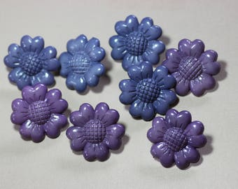 Colorful Plastic Buttons Assortment Variety Mixed Lot Purple Blue Flower Buttons