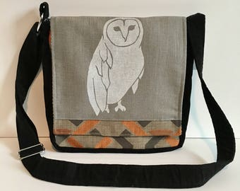 Owl Messenger Bag Gray & Black 10 x 10