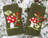 Felted fingerless mittens dark moss green wool hand knit with needle felted toadstool mushroom leaf birds birdies size medium-large
