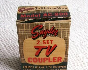 Vintage 2-Set TV Coupler Snyder Red Bakelite Model# AC-800 In Box Rare 1950's Electronic