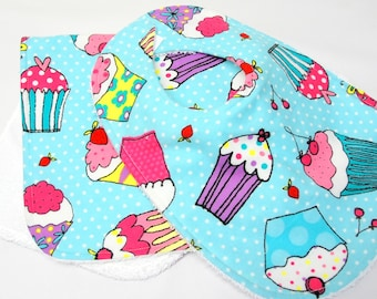Baby Girl Bib and Burp Cloth, Baby Shower Gift, Welcome Baby Gift, New Mom Gift: Cupcakes on Pastel Teal