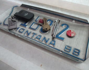 Repurposed Montana License Plate Coin and Key Tray - FREE SHIPPING - Gift - Candy Dish - Serving Tray