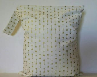 Waterproof Wet Bag, Cloth Diaper Bag, Wet Bag for Cloth Diapers, Diaper Bag,  Cream Gold Arrows