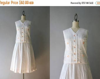 STOREWIDE SALE 1960s Dress Set / Vintage 60s White Linen Dress / 60s Pleated Full Skirt and Sleeveless Top Set XS extra small