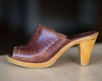 Vintage 70s 9 West Brown Leather Wooden Brazilian Peep Toe Heels Boho - Size 7.5