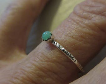 3mm Chrysoprase and Silver Stacking Ring