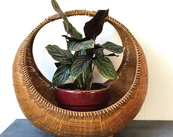 large round basket with handle - woven bamboo hanging planter - beige brown boho