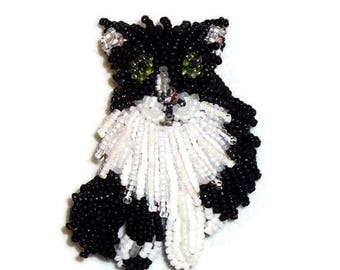TUXEDO CAT beaded keepsake pin pendant brooch/ Ready to Ship