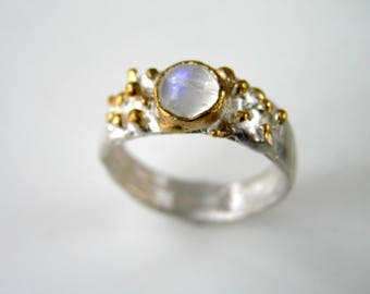 Moonstone Ring Blue Flash Rainbow Moonstone Sterling Silver w gold plated bubbles Ring Small Round Moonstone Cabochon. Engagement ring