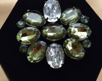 On sale Pretty Vintage Green, Clear Rhinestone Floral Brooch, Gold tone (M1)