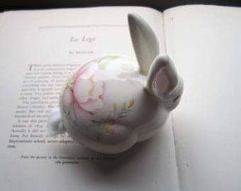 Vintage Cotton Dispenser ~ Bunny Rabbit Cottontail Dispenser ~ Santa Ana California Ceramic ~ Vanity Powder Room Decor ~ Pin up Cosmetic