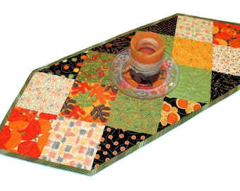 Autumn Table Runner Quilt, Small Pumpkins Quilted Table Topper, Gold Brown Green Fall Decor, Thanksgiving Quilt, Quiltsy Handmade Patchwork