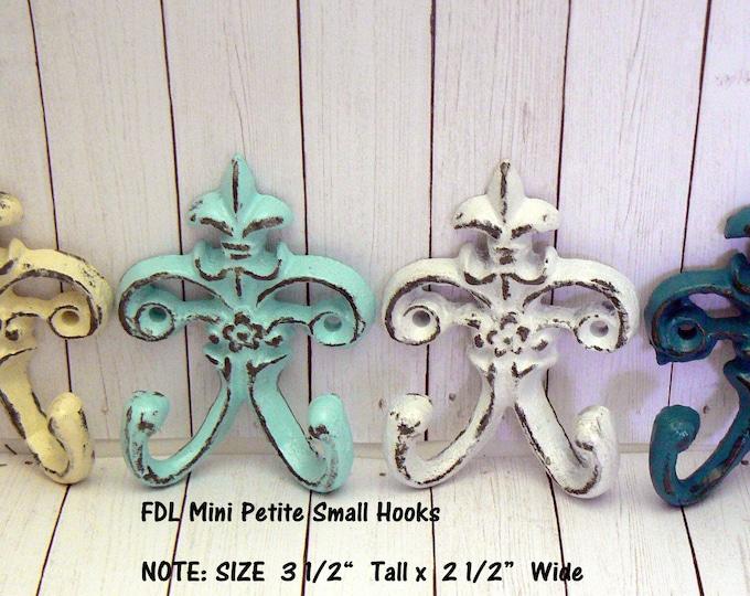 Fleur de lis Cast Iron Shabby Chic White Cream Blue Mini FDL Set 4 Wall Hooks Home Decor