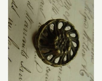 ONSALE Antique Hardware Salvaged Plate 7/8 perfect for vintage jewelry supplies