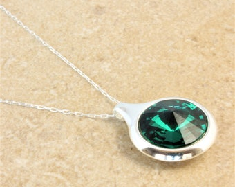 Swarovski Silver Circle Pendant Necklace with Emerald Green Crystal Rivoli on Silver Plated Chain