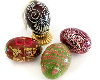 4 Hand Painted Eggs Folk Art Vintage Home Decor
