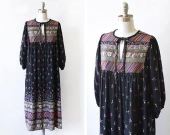 70s black floral dress, vintage 1970s kaftan, Indian cotton floral print boho dress, medium m