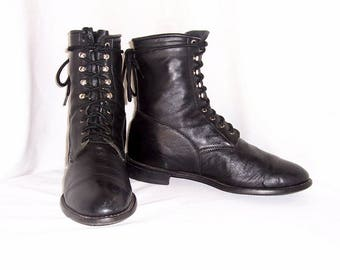 Sz 10.5 Men, Sz 12.5 Women, Vintage black leather 1980s Acme flat lace up granny combat ankle boots.