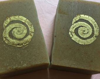 Manuka Honey Soap petitgrain bergamot ground yummy almonds