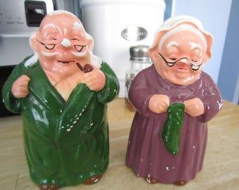 Anthropomorphic Old Couple GrandMa/GrandPa Salt and Pepper Shakers