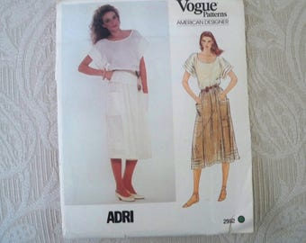 Vintage Sewing Pattern Vogue Pattern # 2952 Misses' Top and Skirt Size 14