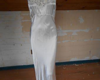 Gorgeous 1940's White Rayon Nightgown - Size Medium (36)