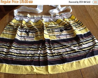 Sale Vintage Black and Yellow Apron