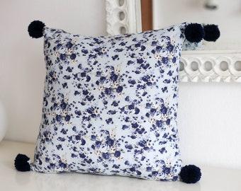Almofada Pompons Azul escuro