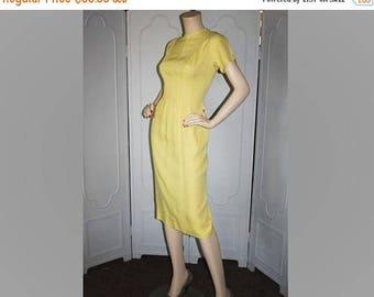ON SALE Vintage 1950's Dress. McKay of Miami. Irish Linen in Butter Yellow. Medium.