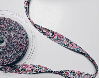 LIBERTY PRINT SHOELACES in adult and children's sizes - Betsy Ann E (pink)