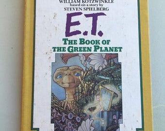 1985 childrens illustrated novel ET the extraterrestrial hardcover book