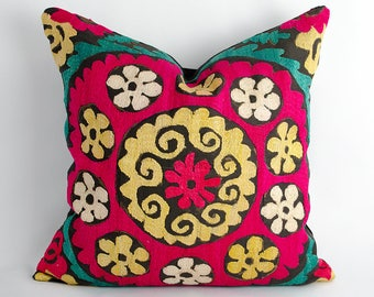 Oriental cushion cover, home pillow, bohemian interior, suzani pillow, suzani cushion, silk embroidery, vintage cushion