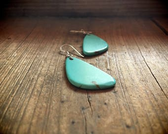 Vintage thin slab turquoise earrings, Native American Indian jewelry, Santo Domingo turquoise earrings, boho jewelry, turquoise jewelry