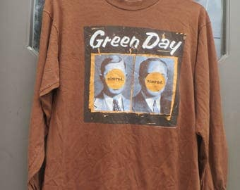 90s Vintage RARE 1997 GREEN DAY Nimrod  under license    to giant  American Tour Band   Long Sleeves  T shirt Adult  Size large  made Canada
