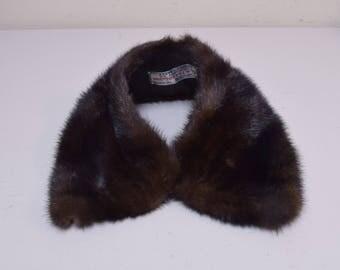 VINTAGE FUR HOUSE Dark Brown Mink Fur Peter Pan Collar w Hook Front Closure