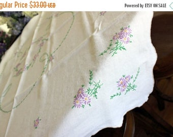 Linen Table Cloth, Embroidered Tablecloth, Table Topper, Off White, Daisy  Embroidery 13461