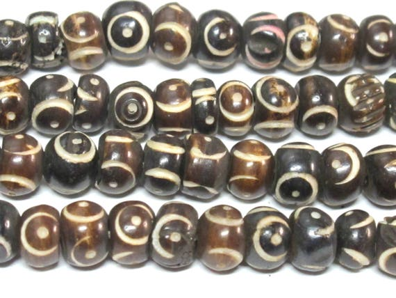 20 beads -mTibetan carved circles dotted brown  color  bone beads 8 mm size - ML105B