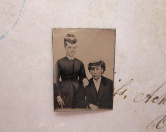 antique GEM tintype photo - miniature tintype photo -man and woman in hats, sitter - gft27