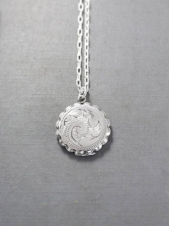 Small Round Scallop Edge Locket Necklace, Sterling Silver Vintage Pendant - Cookie Cutter
