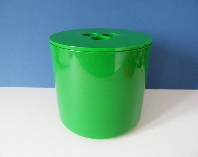 Crayonne ice bucket 1070's classic modernist design